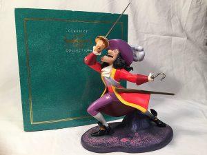 Figura y muñeco del Capitán Garfio de Enesco de Disney Traditions - Figuras coleccionables, juguetes y muñecos de Peter Pan - Muñecos de Disney