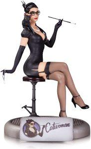 Figura de Catwoman de DC Direct - Los mejores Hot Toys de Catwoman de DC - Figuras coleccionables de Catwoman premium