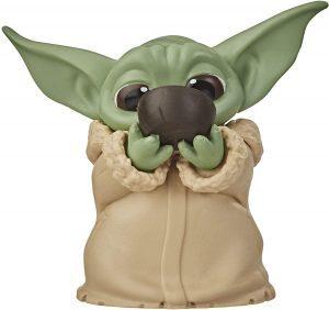 Figura de Grogu - Baby Yoda bebiendo Hasbro - Figuras de acción y muñecos de baby yoda de The Mandalorian - Grogu