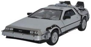 Figura de Delorean de Regreso al futuro de Welly barato - Los mejores muñecos del Delorean Back to the future - Figuras Delorean de Regreso al Futuro