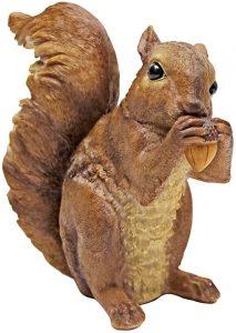 Figura de ardilla de Design Toscano - Los mejores muñecos de ardillas - Figuras de ardilla de animales