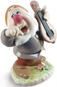 Figura de porcelana de Lladró de Disney de Mocoso - Las mejores figuras de porcelana de Lladró de Disney